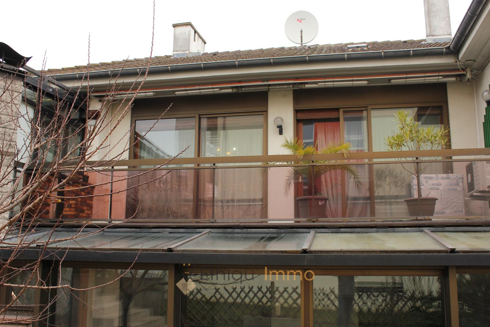Vente 160m dans maison bourgeoise combles am nageables for Garage strasbourg neudorf